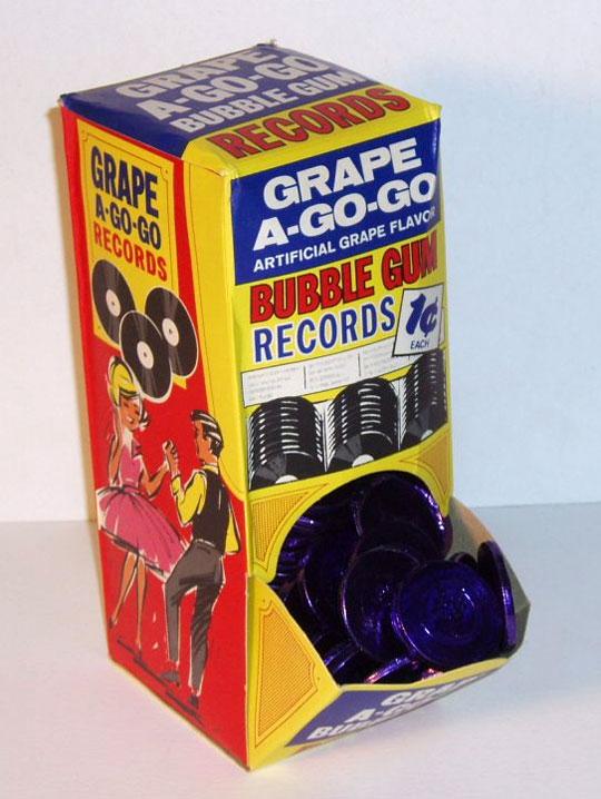 レコードの形をした1960年代のお菓子 / Grape A-Go-Go Bubble Gum Records