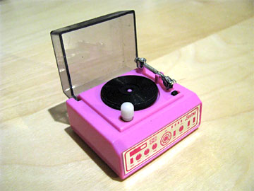 BARBIE TOY RECORD PLAYER